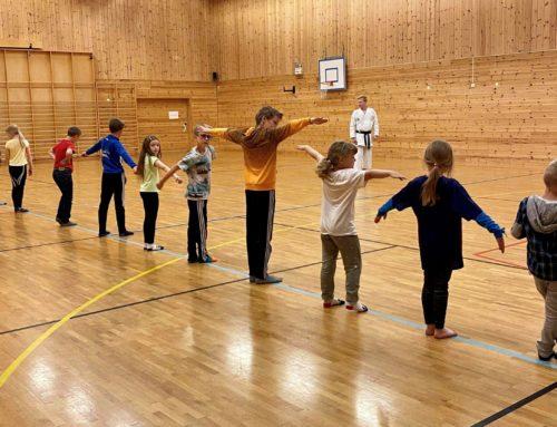 Karate på Edland barneskule